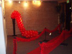 www.baltimoresbest.net wp-content uploads 2013 03 Red-Carpet-High-Heel-Shoe-Balloon-Sculpture-feather-boas.jpg