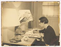 Italian Fashion Designers ~ ~ Elsa Schiaparelli at work at her desk in her couture house in Place Vendome, in the Elsa Schiaparelli, Christian Lacroix, Salvador Dali, Liz Smith, Vintage Outfits, Vintage Fashion, Vintage Clothing, Art Ancien, Italian Fashion Designers