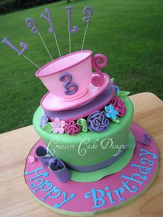 Different angle by Creative Cake Designs (Christina), via Flickr
