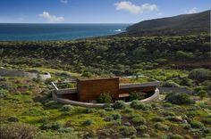 Bioclimatic Dwelling in Tenerife / Ruiz Larrea y Asociados