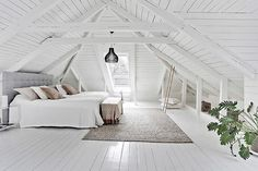 Attic Nook Window attic playroom and guest room.Attic Home Beautiful. Source by The post Extraordinary Attic Rooms Design Ideas appeared first on Atkinson Decor. Attic Playroom, Attic Loft, Loft Room, Bedroom Loft, Bedroom Decor, Attic Office, Attic House, Attic Ladder, Attic Master Bedroom