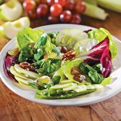 Salade aux pommes et pacanes - Entrées et soupes - Recettes 5-15 - Recettes express 5/15 - Pratico Pratique