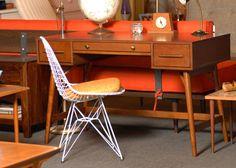 Mid Century Modern Style Desk by on Etsy Office Furniture, Office Desk, Mid Century Desk, Scandinavian Modern, Mid-century Modern, Modern Room, Home And Living, Living Room, Corner Desk