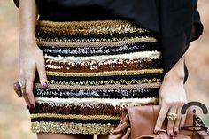 DIY DIY skirt inspired by Balmain, outfits - Crimes of Fashion Balmain, Burberry, Diy Fashion Projects, Skirt Tutorial, Body Con Skirt, Cute Skirts, Vintage Jacket, Diy Clothing, Refashion