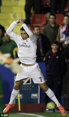 Levante 1-3 Real Madrid:Cristiano Ronaldo lifts the pressure onZinedine Zidane | Daily Mail Online