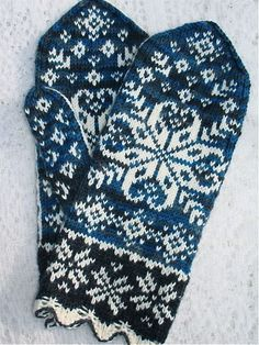 Ten Below uses a traditional Latvian scalloped cuff, gusset thumb, with large snowflake motif on front and minor snowflake motifs on the palm of the hand. Crochet Mittens, Mittens Pattern, Knitted Gloves, Knit Or Crochet, Wrist Warmers, Hand Warmers, Fair Isle Knitting, Knitting Socks, Knitting Charts