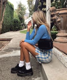 Henleinz Fashion Germany We provide you with the inspiration you need for your next favorite outfit. If you are more interested, have a look at. Lazy Day Outfits, Mode Outfits, Trendy Outfits, Fashion Outfits, 90s Style Outfits, 90s Inspired Outfits, Insta Outfits, Swag Fashion, Travel Outfits