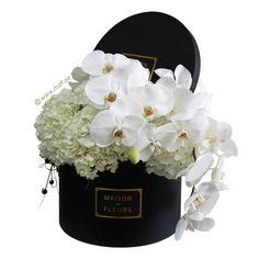 Flowers box roses hydrangeas 33 Ideas for 2019 All Flowers, My Flower, Fresh Flowers, White Flowers, Beautiful Flowers, White Peonies, Flower Box Gift, Flower Boxes, Arrangements Ikebana