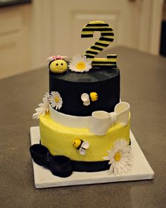 Bumble Bee Cake This is a birthday cake I did for a friends little girl. It is a strawberry-lemonade cake with vanilla buttercream. Bee Birthday Cake, Rapunzel Birthday Cake, Bumble Bee Birthday, Adult Birthday Cakes, 2nd Birthday, Birthday Ideas, Bee Cakes, Cupcake Cakes, Fondant Bee