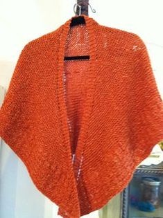 FREE PATTERN: Though the pattern is written for worsted weight yarn, any yarn is suitable. The size of the shawl, and the yardage required, will change depending on what yarn you choose. Experiment, and have fun!