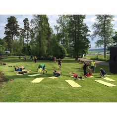 How about yoga or cross train in fresh air by the sea? #langvikhotel  http://www.langvik.fi/  #duunistöis #kunnonpäivä #långvik @langvikhotel #sistersinc_events