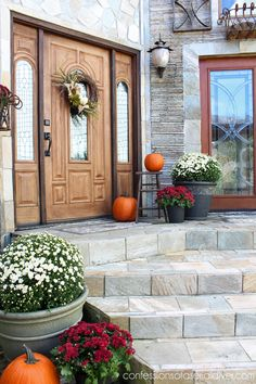 I love this Fall front porch and wreath tutorial by Confessions of a Serial DIYer #fall #FallDecorTour2014