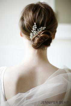 Jennifer Behr Bridal. Elissa Comb available at www.jenniferbehr.com. Wedding hair bridal headpiece chignon. Photography by Belathee.