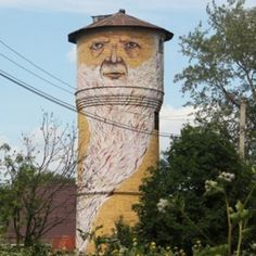 The Tower Man, Perm Nikita Nomerz is a graffiti and street artist from the western Russian city of Nizhniy Novgorod. In his series titled 'Living Walls', Nomerz brings derelict buildings to life with his whimsical characters. Urban Street Art, Urban Art, Amazing Street Art, Amazing Art, Urban Intervention, Derelict Buildings, City Buildings, Scary Faces, Funny Faces