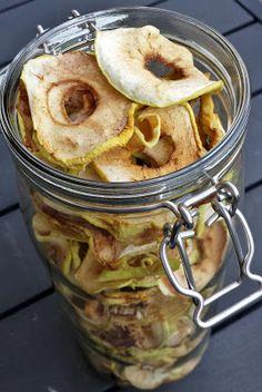 Huvilaelämää ja mökkiruokaa: Omenoiden säilöminen talveksi – kuivattaminen