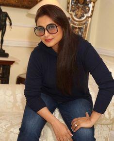 Indian Actress Photos, Indian Actresses, Round Face Glasses Frames, Rani Mukerji, Superman Art, Cute Wallpapers Quotes, Beautiful Girl Photo, Jean Shirts, Girl Photos