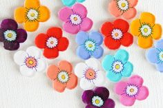 フラワーイヤリング by kuriko アクセサリー イヤリング | ハンドメイド、手作り作品の通販・販売サイト minne(ミンネ)