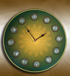 Bottle cap clock...super easy and super cute!