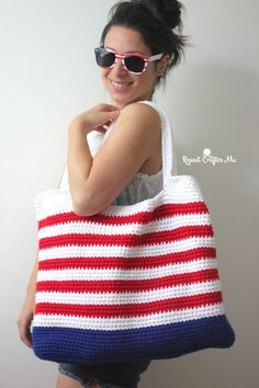 It's Memorial Day weekend and with plans to be poolside for the next few days, I decided to whip up a festive Crochet Patriotic Tote Bag! I used double strands of Bernat Super Value in Royal Blue, Ber Crochet Shell Stitch, Bead Crochet, Crochet Baby, Free Crochet, Crochet Handbags, Crochet Purses, Crochet Tote Bags, Repeat Crafter Me, Tunisian Crochet