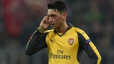 phentsfj: Mesut Ozil - Pemain depan Arsenal sedang dibuat ka...