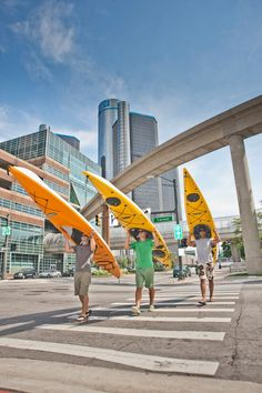 Have you ever ventured paddle-mode on the Detroit River? It is an extraordinary experience! We wish Detroit River Sports the best of luck as they compete in the Hatch Detroit finals this week! www.detroitriversports.com
