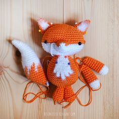 wip amigurumi fox - besenseless.blogspot.com// I want to make a teeny tiny as a pendant ... or a lamp pull.. or a window decoration ... or a coat broach .. or a pencil topper ...