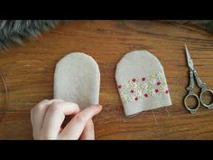 [ENG,한국어CC] Making a pocket key ring with cat – Bag World Easy Felt Crafts, Coin Couture, Cute Sewing Projects, Diy Keychain, Ring Crafts, Linen Bag, Patchwork Bags, Key Fobs, Fabric Dolls