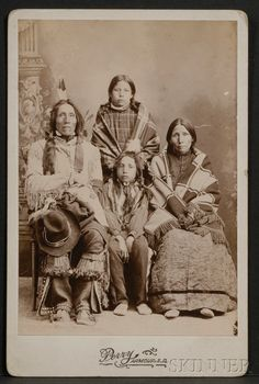 Cabinet Card of a Lakota Family Native American Clothing, Native American Indians, Native Americans, Indian Tribes, Native Indian, Sioux, Indian Family, Antique Photos, Old West