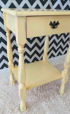 Hometalk :: End Table Makeover in Yellow