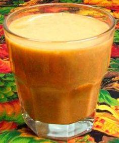 Licuado de calabaza (con jugo de naranja, plátano, piloncillo y canela)