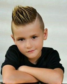 Boys wish to rock a mohawk hairstyle will look attractive and cool. The most essential thing you must do within this style is to create sure your son receives the suitable cut. Given below are some other fantastic mohawk haircut ideas for children. Kids Hairstyles Boys, Toddler Boy Haircuts, Little Boy Haircuts, Mohawk Hairstyles, Trendy Haircuts, Popular Hairstyles, Haircuts For Men, Boy Haircuts Short, Sweet Hairstyles