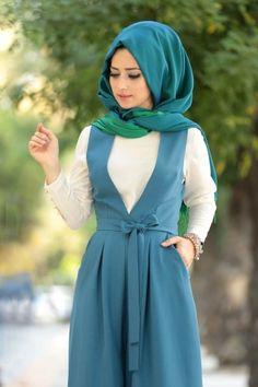 Abaya Fashion, Muslim Fashion, Modest Fashion, Fashion Dresses, Modest Outfits, Dress Outfits, Dress With Cardigan, The Dress, Modele Hijab