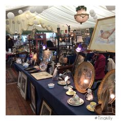 Dreamlike antiques situation #Tinakilly #TinakillyAntiquesFair #GardenOfIreland #Vintage #Antiques Antique Fairs, Vintage Antiques, Table Settings, Table Top Decorations, Place Settings, Tablescapes, Desk Layout