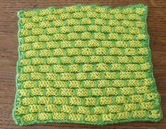 je m'éclate avec mes 10 doigts: Et si j'utilisais des lavettes ? Knitting Patterns, Textiles, Blanket, Vogue, Diy, Dishcloth, Genre, Fingers, Plushies