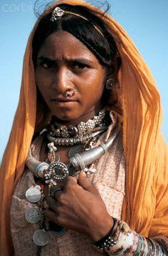 India | Hindu harijan women of the Thar desert.  Jaisalmer | ©Franck Metois