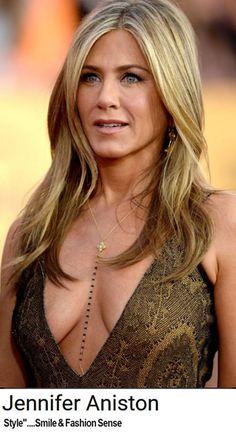 Oh, Jennifer! Jennifer Aniston Dress, Jeniffer Aniston, Jennifer Aniston Pictures, Jennifer Garner Hair, Beautiful Celebrities, Beautiful Actresses, Gorgeous Women, John Aniston, Beauté Blonde