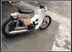 Honda C90 BOBBER