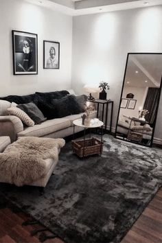 35 Popular Small Living Room Decor Ideas On A Budget. If you are looking for Small Living Room Decor Ideas On A Budget, You come to the right place. Below are the Small Living Room Decor Ideas On A B. First Apartment Decorating, Apartment Design, Budget Decorating, Decorating Small Apartments, Grey Decorating Ideas, Small Studio Apartments, Apartment Layout, Decorating Blogs, Small Apartment Living