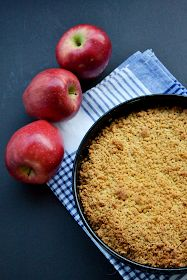Sabor: Μηλόπιτα / Apple crumble pie Apple Crumble Pie, Apple Pies, Nutella, Sweet Recipes, Biscuits, Recipies, Food And Drink, Peach, Sweets
