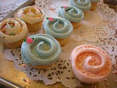 website full of beautiful cupcakes! Where do I find the teacup bakers on on the #18 picture?  Love them!!