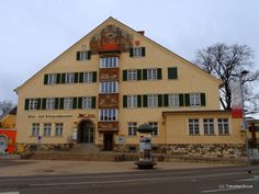 Post office building dating back to 1937 in Knittelfeld, Austria Vienna Woods, Innsbruck, Post Office, Austria, Dating, Spaces, Mansions, Architecture, House Styles