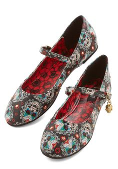 Sweeter than Sugar Skulls Flat. Macabre is a lot more marvelous when it involves these Mary Jane flats! #black #modcloth