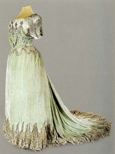 Evening dress of Empress Alexandra Feodorovna. 1902-1903