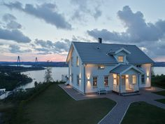 House By The Sea, Home Fashion, Future House, Villa, Cabin, Mansions, Architecture, House Styles, House Ideas