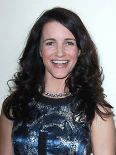 Kristin Davis brunette, wavy hairstyle hair-beauty Kristin Davis, Prom Queens, Flawless Face, Recipes From Heaven, Hair Today, Popular Pins, Beautiful Eyes, Wavy Hair, American Actress