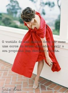 Frases mujer vestida de rojo