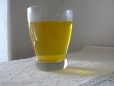 Tisana allo zafferano #ricetta #saffron #recipe #ricettedisardegna #sardegna #sardinia Shot Glass, Tableware, Cooking, Italia, Kitchen, Dinnerware, Tablewares, Dishes, Place Settings