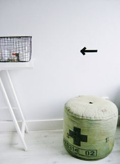 http://roomofcreativity.blogspot.hu/2012_04_01_archive.html