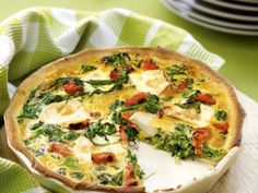 Quiche Recipes, Oven Recipes, Great Recipes, Cooking Recipes, Yummy Healthy Snacks, Yummy Food, Big Meals, Easy Meals, Savoury Baking