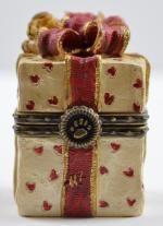 Boyds Bears Valentino's Present w/Romeo McNibble - Resin Treasure Box